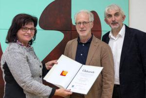 Ernest A. Kienzl erhält den Adolf Peschek-Preis der Jury